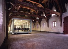 vleeshuis : COUSSÉE & GORIS architecten Vleeshuis Location: Gent (BE) Design team: COUSSÉE & GORIS architecten Design: 2001 Construction: 2001-2002 Engineers: VK Engineering nv Client: EROV Surface area: 216 m² Photographs: Wim Van Nueten