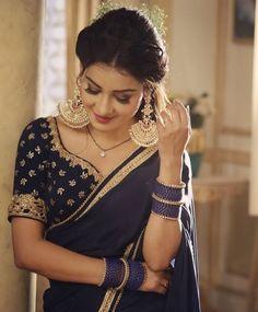 Chhavi Pandey, Beautiful Girl Indian, Beautiful Women, Saree Wearing Styles, House Of Blouse, Lehnga Dress, Saree Models, Sexy Wife, Dresses Kids Girl