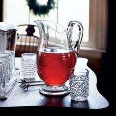Sparkling Cranberry Tea Cocktails: Pour a pitcher of this cranberry flavored, vodka-spiked tea for a holiday open house or cocktail party. You can combine the base of the drink ahead of time and add the ginger ale just before serving. Iced Tea Recipes, Cocktail Recipes, Drink Recipes, Water Recipes, Christmas Cocktails, Holiday Cocktails, Spiked Tea, Tea Cocktails, Vodka Cocktail