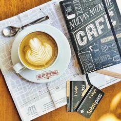 Bester Kaffee der Welt: 5 Blogger verraten ihre 5 Lieblingscafés auf der ganzen Welt! But First Coffee, Latte, Treats, Drinks, Tips, Round Round, World, Sweet Like Candy, Drinking