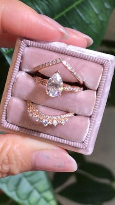 wedding rings engagement Ring Envy Defined as causing others to want what you have - youd get it if your ring is a lamoredesign ring too Click the video to shop our Grace Solitaire collection at La More Design ~ Pink Wedding Rings, Wedding Rings Solitaire, Rose Gold Engagement Ring, Engagement Ring Settings, Wedding Bands, Wedding Gold, Rustic Wedding, Dream Wedding, Solitaire Diamond