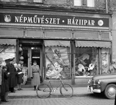 Store Window Displays, Illustrations And Posters, Hungary, Budapest, Vintage Photos, The Past, History, Country, Illustrations Posters