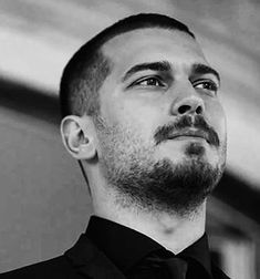 Hijabi Girl, Turkish Beauty, Turkish Actors, Book Characters, Hair Lengths, Short Hair Styles, Cagatay Ulusoy, Handsome Guys, Actresses