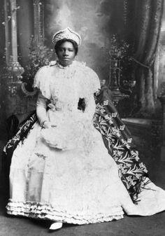 Elenora M. J. Dudley - regal