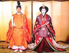 結婚の儀: 天皇皇后両陛下 as 皇太子継宮明仁親王(つぐのみやあきひとしんのう)殿下,同妃美智子(みちこ)殿下時代  Crown Prince Akihito of Japan and Michiko Shoda April 10, 1959