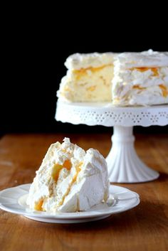 Perfect meringue that always comes out! - Lady housewife - Perfect meringue that always comes out! Step by step how to bake a meringue cake and what to do to - Polish Desserts, Polish Recipes, Sweet Recipes, Cake Recipes, Meringue Cake, Pavlova, Pumpkin Cheesecake, Savoury Cake, Eat Cake