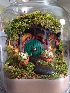 """The Hobbit: DIY Hobbit Hole Jar. 