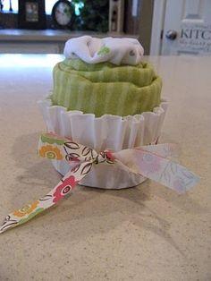 candy bouquet ideas baby shower | Candy Bouquet Ideas / Onesie Cupcakes! Baby shower gift idea. So ...