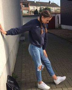 41 cute sporty outfits for the school you need to try outfits school schooloutfits sporty Cute Sporty Outfits, Cute Outfits With Leggings, Trendy Fall Outfits, Cute Outfits For School, Winter Outfits Women, Teen Fashion Outfits, Mode Outfits, Sport Outfits, Sporty Chic