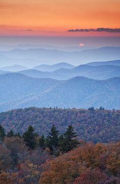 ✯ Sunset on the Blue Ridge Parkway - North Carolina