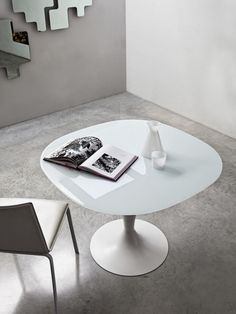Glass dining table - flute by sovet italia