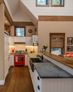 What is soapstone and why soapstone countertops are so popular? Soapstone is a metamorphic rock composed primarily of talc, and with varying amounts of Small Farmhouse Kitchen, Kitchen On A Budget, Country Kitchen, New Kitchen, Farmhouse Décor, Kitchen Ideas, Kitchen Inspiration, Country Living, Country Decor