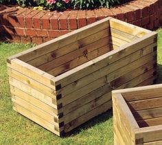 This Grange Elite Trough Planter is a little larger and suitable for growing both vegetables and herbs on patios or if space in your garden is limited. #GrowYourOwnVeg