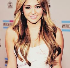 I don't know how people think Miley's so ugly....everyone is beautiful not just on the outside you know....