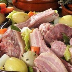 Potée auvergnate : la délicieuse recette Principal, Sausage, Poultry, Yummy Recipes, Sausages, Hot Dog, Chinese Sausage