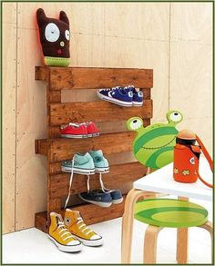 pallet - paint or varnish - shoe collector