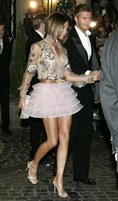 Victoria Beckham Leaving the Hassler Hotel in Rome November 16 2006
