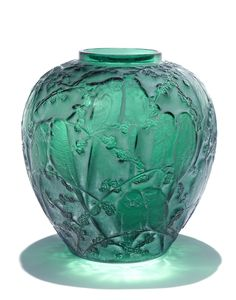 René Lalique 'Perruches' a Vase, design 1919 green glass, heightened with staining 25.5cm high