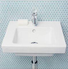 for bolt/konsollmontering Pen, men for dip? Mini Bad, Sink, Design, Home Decor, Bathrooms, Sink Tops, Vessel Sink, Decoration Home, Room Decor