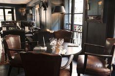 Bar-Restaurant le Hibou Paris 75006. Endroit qui possède une terrasse sympathiques, je conseille pour boire un verres.