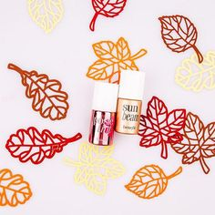 For a gorgeous Fall glow, we're blending posietint and sunbeam on our cheeks!
