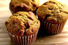 Pumpkin Ginger Nut Muffins on Simply Recipes - Made these last week and they were delicious! I added some golden raisins, used pecans instead of walnuts, and drizzled a vanilla glaze on top. Low Carb Desserts, Gluten Free Desserts, Gluten Free Recipes, Low Carb Recipes, Healthy Recipes, Healthy Desserts, Healthy Foods, Bread Recipes, Healthy Eating