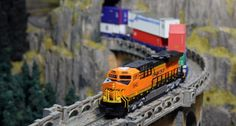 N-Scale GE ES44AC : Precision Railroad Models