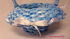 A useful tutorial to help you make a basket out of newspaper! Newspaper Craft Basket, Paper Basket Diy, Paper Basket Weaving, Basket Crafts, Newspaper Crafts, Recycle Newspaper, Newspaper Paper, Gift Basket, Diy Crafts Hacks
