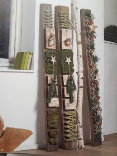Holzlattendeko - Diy And Crafts Cosy Christmas, Handmade Christmas Tree, Woodland Christmas, Christmas Wood, Modern Christmas, Xmas Tree, Christmas Time, Christmas Centerpieces, Xmas Decorations