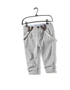 Trousers with suspenders? My baby boy is gonna have these. Lou has inspired an adorable fashion (that I have always loved) to become popular again! Little Boy Fashion, Kids Fashion Boy, Toddler Fashion, Baby Boy Outfits, Kids Outfits, Baby Suspenders, Zara Baby, Boys Wear, Trendy Kids