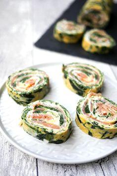 Low Carb Spinat-Lachs-Rolle - eine leckere Fingerfood-Idee für das Sonntagsfrühstück - Gaumenfreundin Foodblog #schnellerezepte #gesunderezepte #frühstücksrezepte #silvesterrezepte #fingerfood