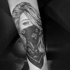 Girls with Tattoos Drawing | gangsta girl with bandana tattoos