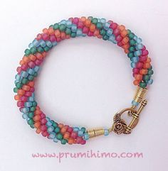 Kumihimo 4 color bracelet - good instructions on how to string to produce the 4 color pattern
