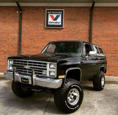Old School Chevy blazer Source by can find Chevy and more on our website.Old School Chevy blazer Source by Lifted Chevy Trucks, Classic Chevy Trucks, Gm Trucks, Chevrolet Trucks, Diesel Trucks, Cool Trucks, Pickup Trucks, Classic Cars, Chevy Classic