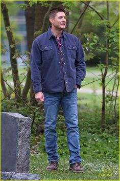 Jensen Ackles & Jared Padalecki Hug It Out on 'Supernatural' Set in Vancouver | jensen ackles jared padalecki spn season wrap up 09 - Photo