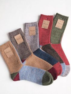 Cozy Socks, Designer Socks, Mode Inspiration, Knitting Socks, Sock Shoes, Bunt, Mittens, Personal Style, Cute Outfits