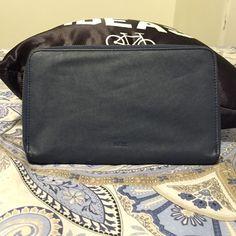 Parfois Wallet Large dual tone Parfois Wallet great for traveling, fits multiple passports and boarding passes! Parfois Bags Wallets
