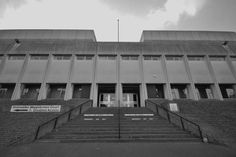 Magistrates Court, Doncaster UK by Sir Frederick Gibberd