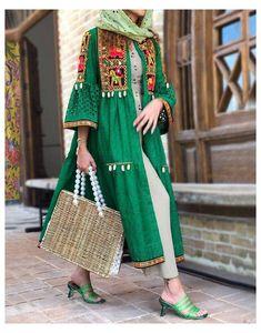 Iranian Women Fashion, Pakistani Fashion Casual, Pakistani Dresses Casual, Pakistani Dress Design, Abaya Fashion, Muslim Fashion, Fashion Dresses, Stylish Dresses For Girls, Stylish Dress Designs