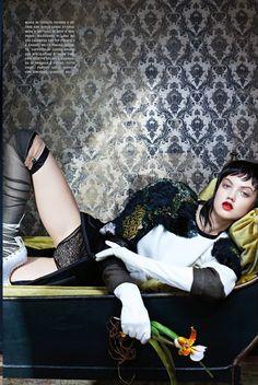 Vogue Itália Novembro 2014 | Lindsey Wixson por Emma Summerton  [Editorial]