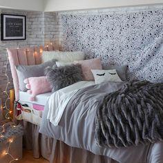 97 Cozy Dormify Room Ideas - Houz on kinal. Comfy Bedroom, Bedroom Wall, Bedroom Decor, Bedroom Ideas, Cushion Headboard, Dorm Room Designs, Teen Girl Bedrooms, Dorm Rooms Girls, Bedroom Images