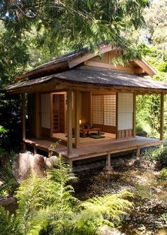 Japanese Tea House Design Ideas, Pictures, Remodel and Decor - Japanese Architecture Japanese Tea House, Tea House Japan, Traditional Japanese House, Japanese Style Tiny House, Japanese Gardens, Traditional Benches, Japanese Homes, Traditional Fashion, Asian Home Decor