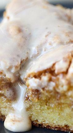Easy Cinnamon Roll Cake.