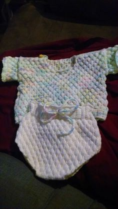 machine knitted baby outfit Loom Knitting, Baby Knitting, Knitted Baby Outfits, Fashion, Moda, Loom, Fashion Styles, Baby Knits, Round Loom