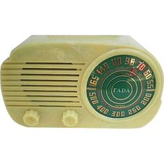 Vintage 1947 FADA Art Deco Plastic Radio-Cloud-Model 845A-With Original Box: