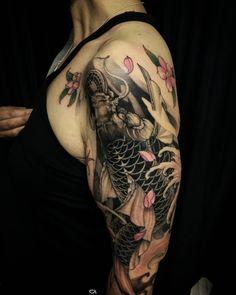 Koi half sleeve completed. #koi #asiantattoo #tattoo #chronicink #asianink #irezumi #irezumicollective