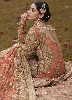 Shiza Hassan Bridal Collection 2019 Online features Pakistani Bridal & Wedding Dresses adorned with Embroidery, Zardozi, Tilla, Gold and Silver Thread Work. Pakistani Bridal Couture, Pakistani Bridal Makeup, Pakistani Fashion Party Wear, Pakistani Formal Dresses, Pakistani Wedding Outfits, Bridal Wedding Dresses, Bridal Style, Wedding Wear, Pakistani Clothing