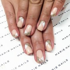 With your brushes! We found the most beautiful manicures to do again for Christmas and the New Year Manucure de fêtes - Nail Designs Natural Nail Designs, Black Nail Designs, Diy Nail Designs, Nude Nails, White Nails, Neutral Nail Art, Money And Happiness, Bridal Nails, Tatoo