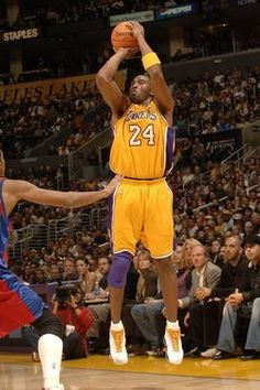 Kobe Bryant A. Kobe One Kinobe A. One of the most sensational Pro-Athletes of All-Time. Kobe Bryant 8, Kobe Bryant Family, Lakers Kobe Bryant, Basketball Legends, Love And Basketball, Nba Players, Basketball Players, Bryant Basketball, Kobe Bryant Pictures