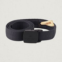 Smuggler's belt - want. {11 things you shouldn't leave the country without}